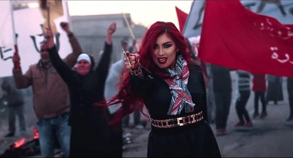 Kürt şarkıcı, IŞİD'e müzikle 'kafa tutuyor'