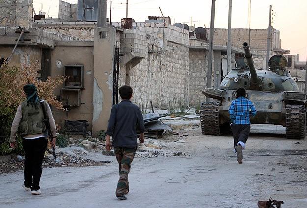 """Esed ve IŞİD'e karşı """"Mücahitler Ordusu"""""""