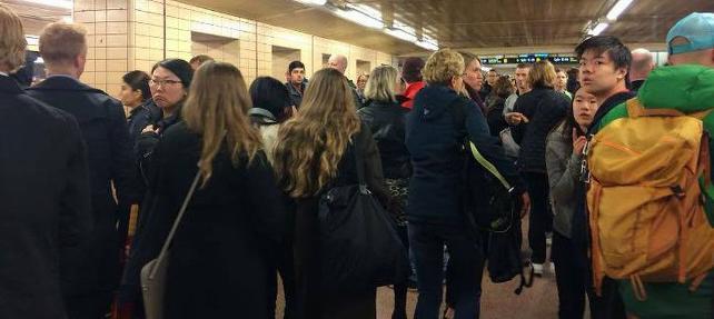 Yanık ekmek tren istasyonunu boşalttırdı
