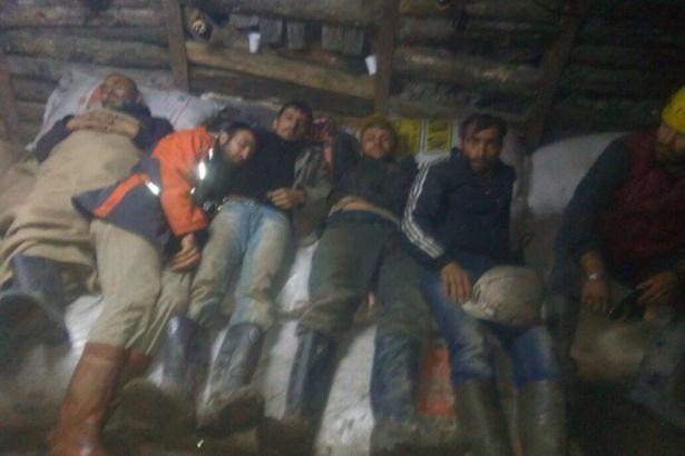Türkiye'de açlık grevi yapan madencilerin eylemi ciddileşti