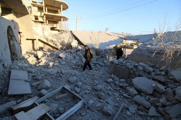 Türkiye'nin 'kırmızı çizgisi' Azez düştü düşüyor: IŞİD 5 kilometre uzakta