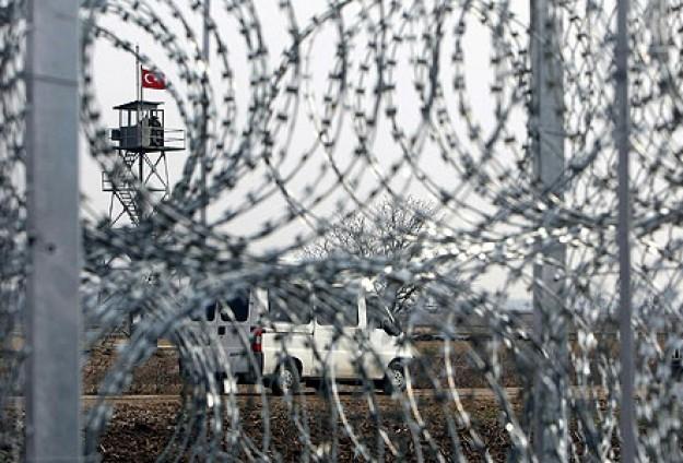 """Bulgaristan sınıra """"tel"""" örecek"""