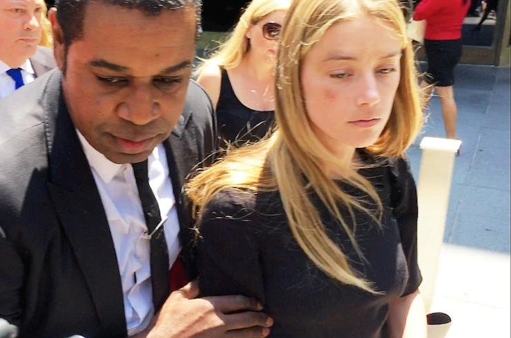 Sen de mi Johnny Depp: Karısı, şiddet gördüğü gerekçesiyle boşanma davası açtı