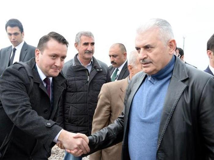 Başbakan Binali Yıldırım, kürsüde başbakan olduğunu unuttu