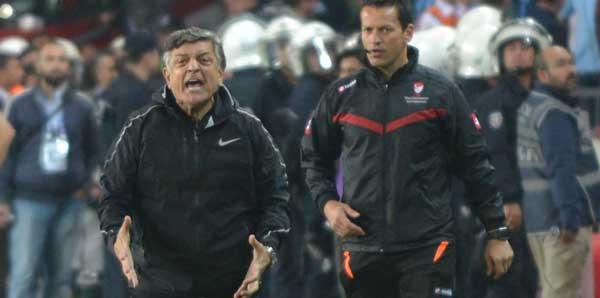 Türk antrenörler, Yılmaz Vural'ın sözlerini kınadı