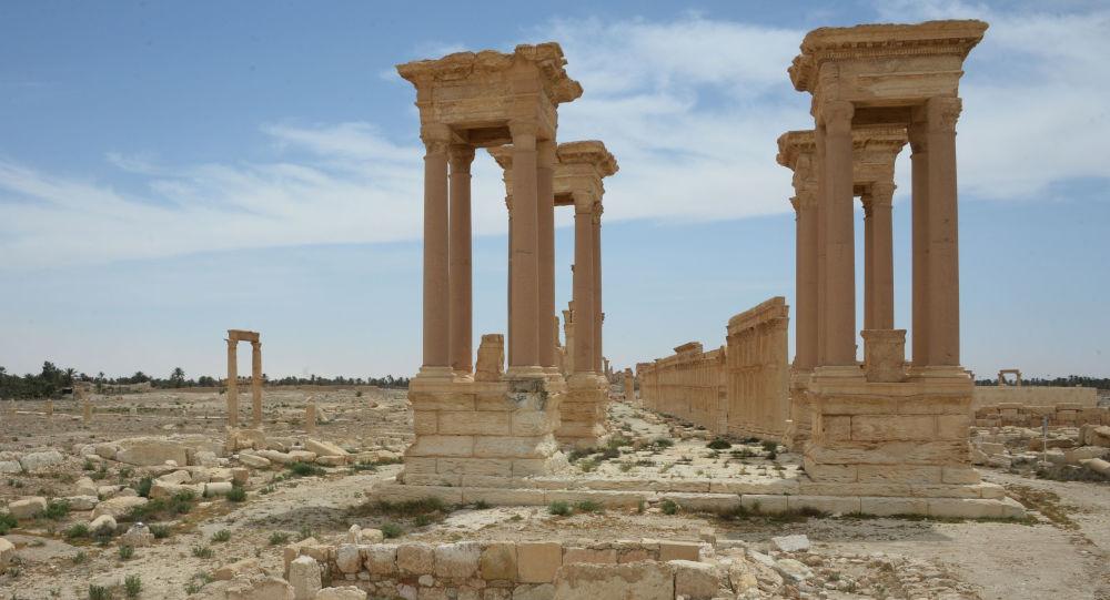 Palmira'da bir toplu mezar daha bulundu