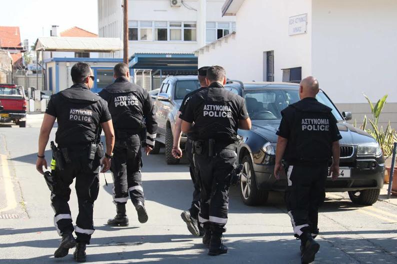 Zanlı döven iki polise cezaya polis teşkilatı karşı çıktı