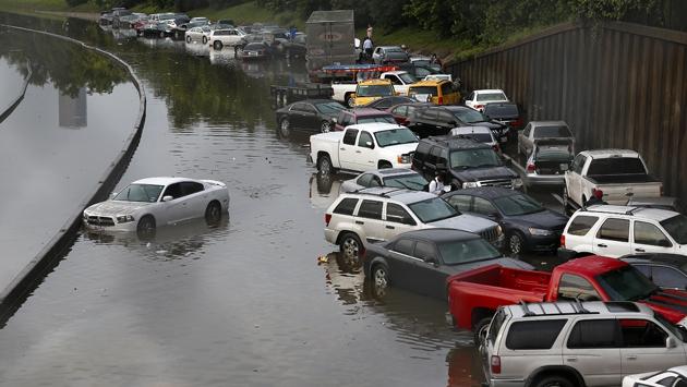 ABD'de sel felaketi hayatı felç etti