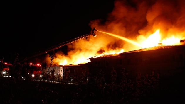 Hindistan'ın en büyük silah deposunda yangın: 17 ölü