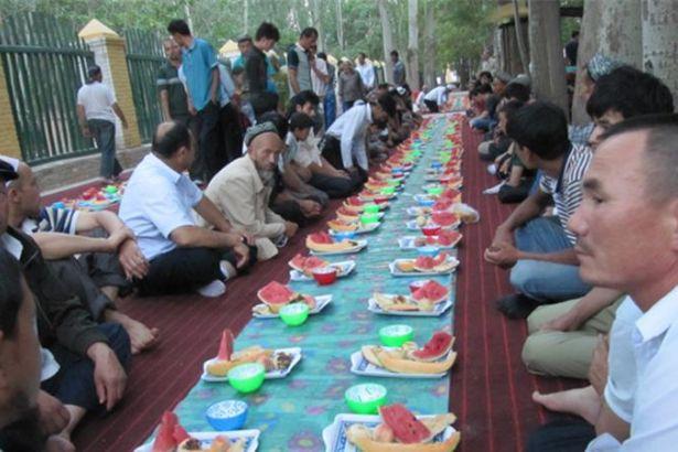 Çin'den örnek Ramazan açıklaması