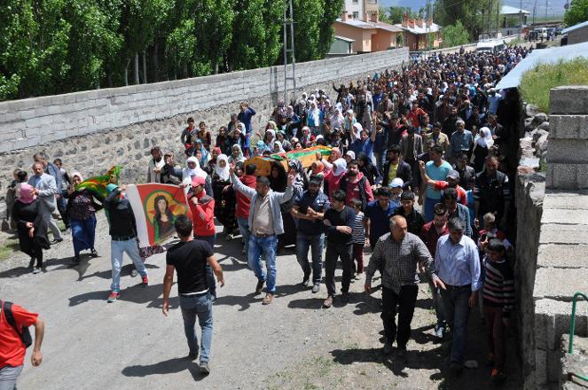 Çatışmada ölen PKK'linin annesi: Kızımla gurur duyuyorum