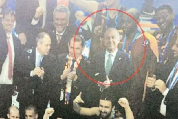 Galatasaraylı yönetici fotomontajla sevince katıldı