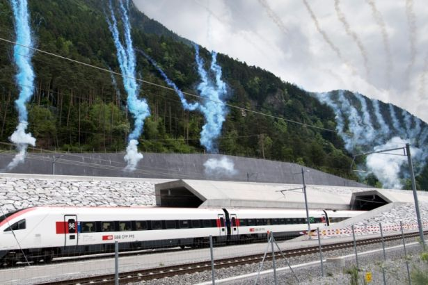 Dünyanın en uzun tüneli açıldı: Tam 57 kilometre uzunluğunda