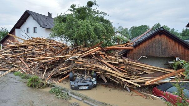 Köy ve kasabalar sular altında! Ölü sayısı artıyor