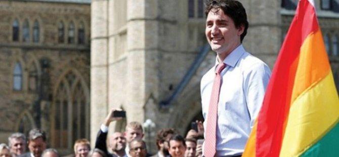 Kanada Başbakanı, parlamento binasına LGBTİ bayrağı astı