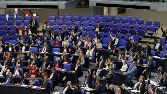 Türkiye, Ermenilerin kitlesel kıyımını kabullenmeli