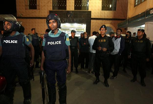 Bangladeş'te muhalif TV'ye kapatma