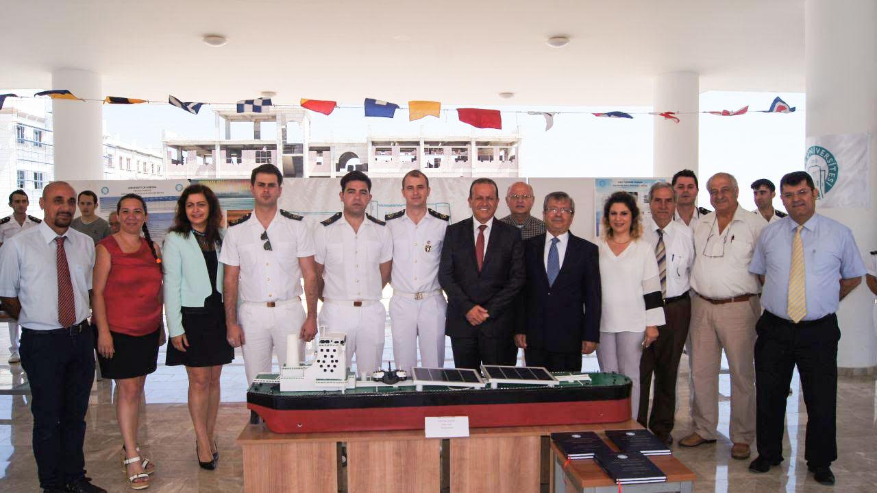 Girne Üniversitesi öğrencileri bitirme projelerini sergiledi