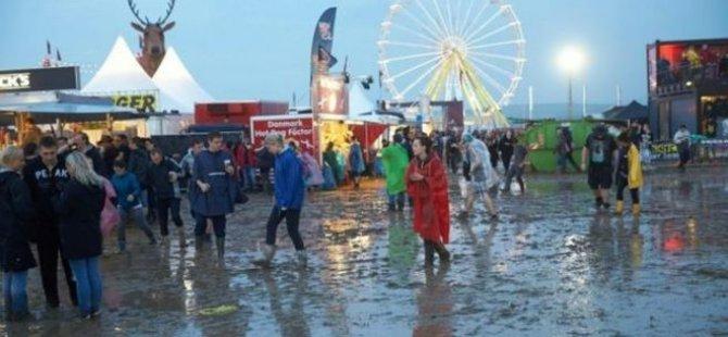 Rock festivaline yıldırım düştü; 72 yaralı!