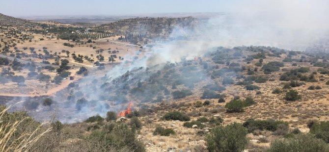 Girne - Değirmenlik dağ  yolundaki yangın kontrol altına alındı