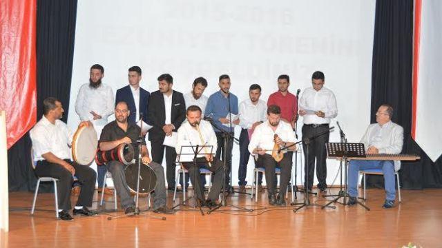 Yakın Doğu Üniversitesi İlahiyat Fakültesi mezuniyet töreni gerçekleşti