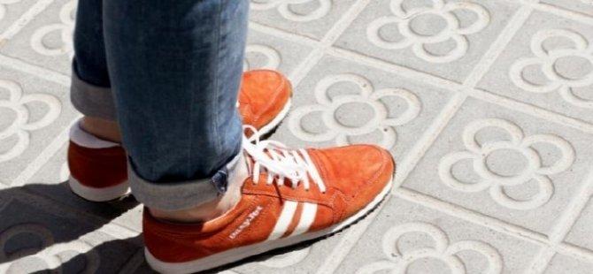 Kaybolmayı önleyen spor ayakkabı!