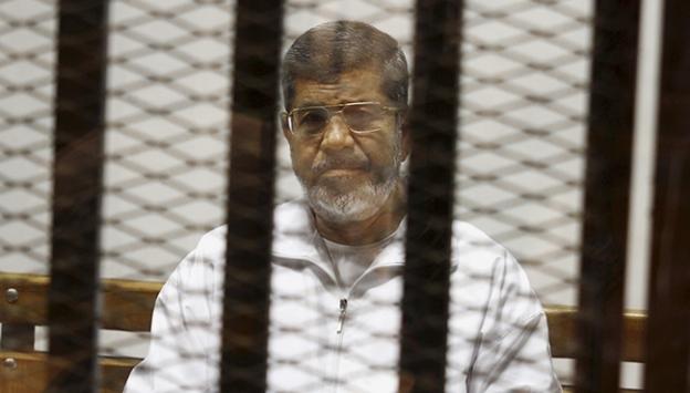 'Mursi, Mısır'da aile ziyareti engellenen tek kişi'