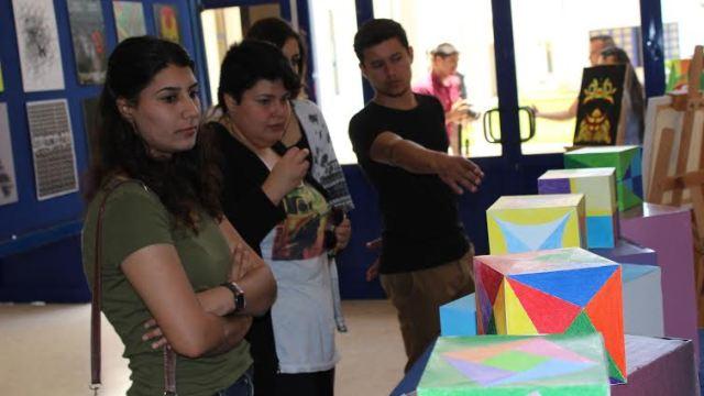 """LAÜ'de  """"Sanat ve İletişim Sergisi"""" açıldı"""