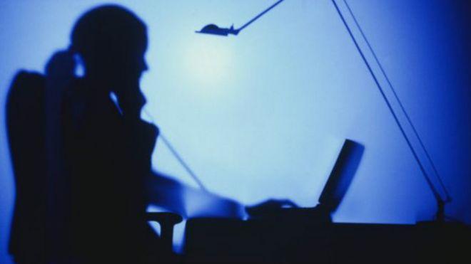 O ülkede devlet memurlarına internet yasağı