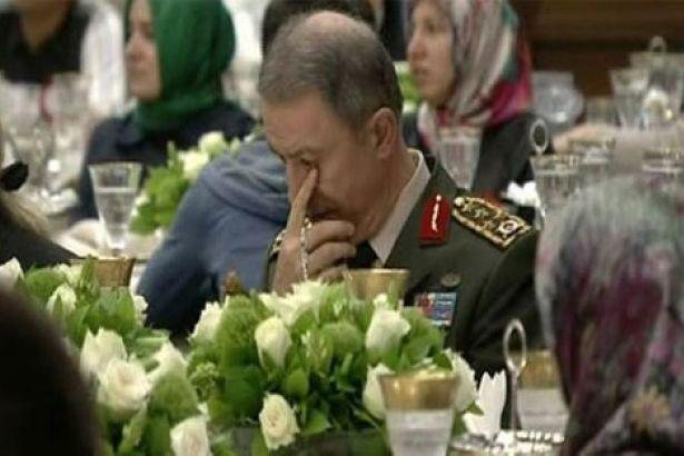 Genelkurmay Başkanı'nın acıklı hali: Erdoğan konuşurken ağladı