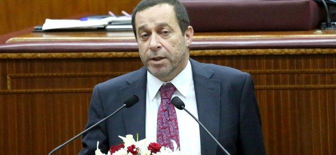 Serdar Denktaş Kürsüde eleştirileri yanıtlıyor