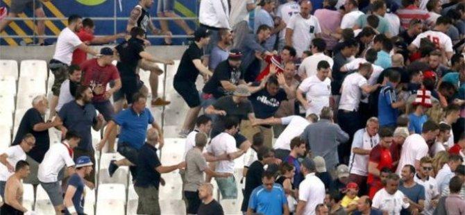 EURO 2016: UEFA Rusya'ya verdiği ihraç cezasını askıya aldı