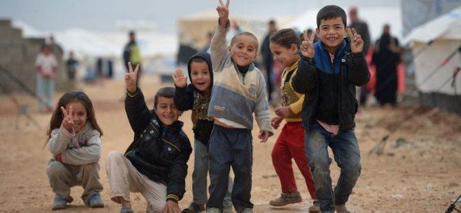400 mülteci Kıbrıs'a gelmek için bekliyor!