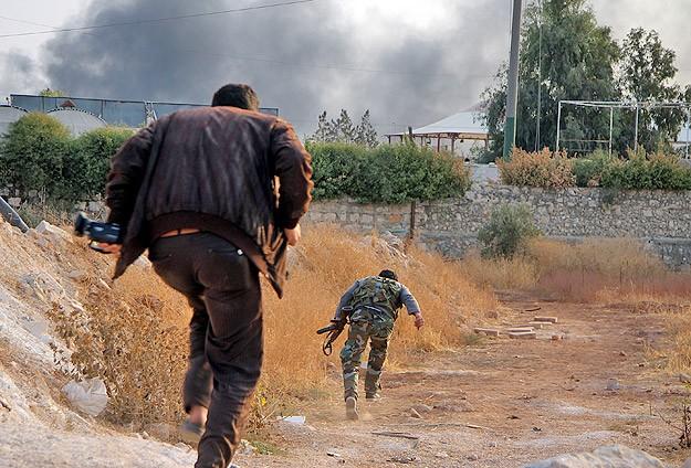 Halep'te yoğun çatışmalar sürüyor