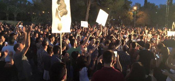 Binlerce Genç Meclis önünde #Reddediyor