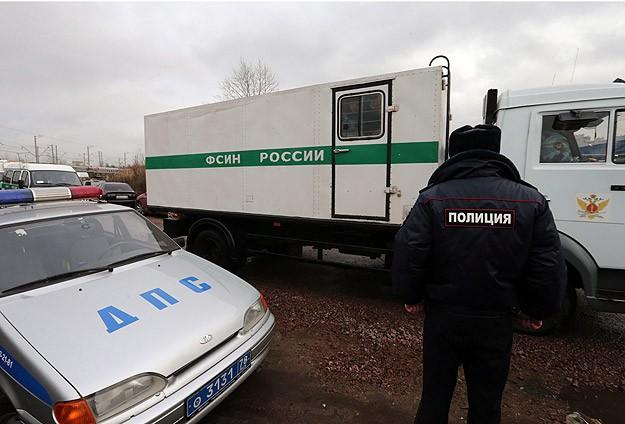 Greenpeace üyeleri St.Petersburg'da