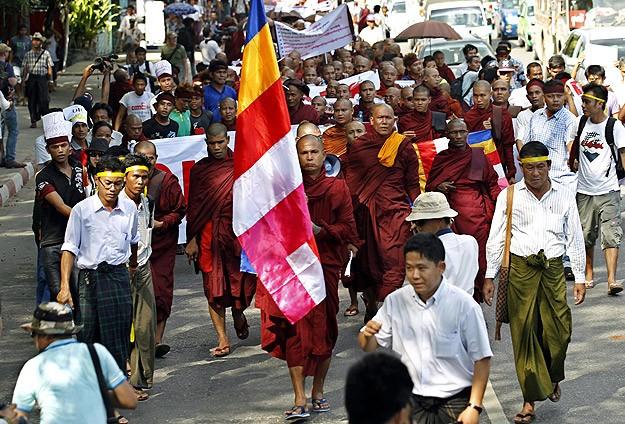İİT'nin Myanmar programı Budistleri kızdırdı
