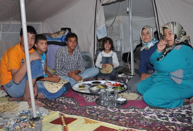 Barınma merkezlerinde 200 bin Suriyeli var