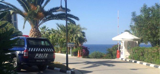 Girne'de denize girmek isteyen vatandaşlardan para istendi, polis devreye girdi