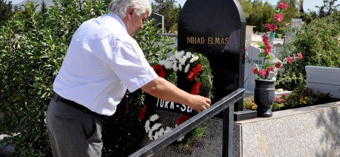 Sendikacı Nihad Elmas kabri başında anıldı