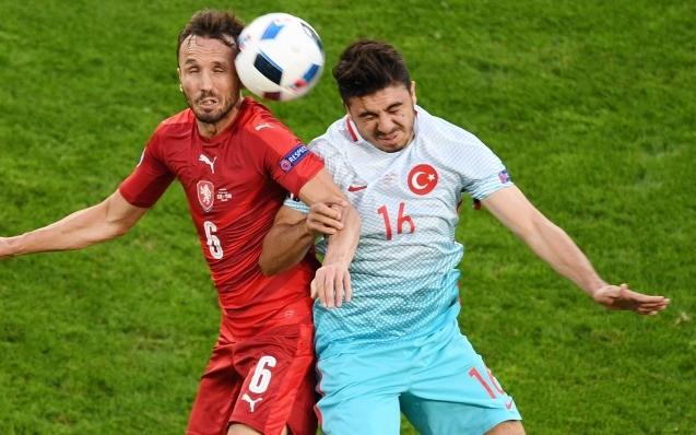 Sivok: Türkiye'nin futbolcuları değil gazetecileri bile...