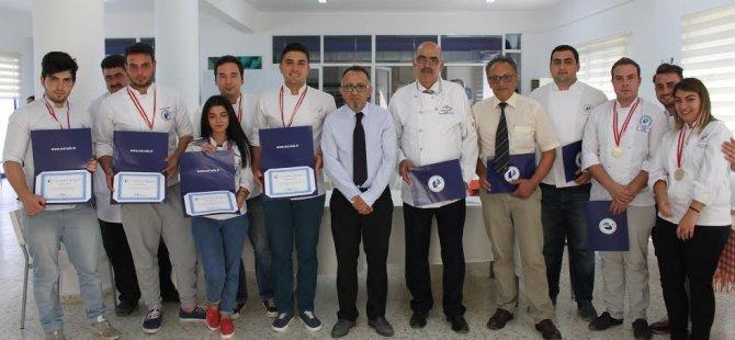 LAÜ Gastronomi öğrencileri başarılarından dolayı ödüllendirildi