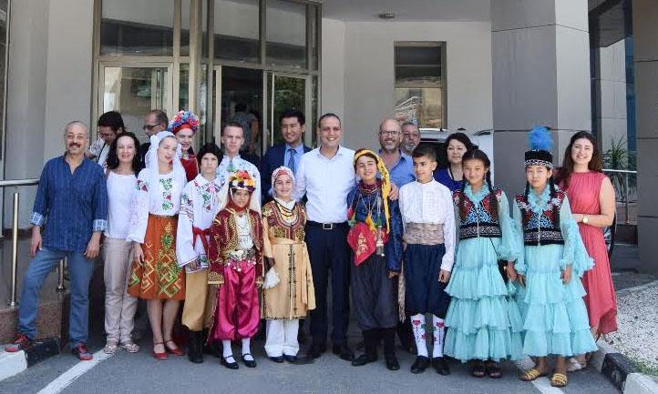 Çocuk Halk dansları ekipleri Başkan Harmancı'yı ziyaret etti