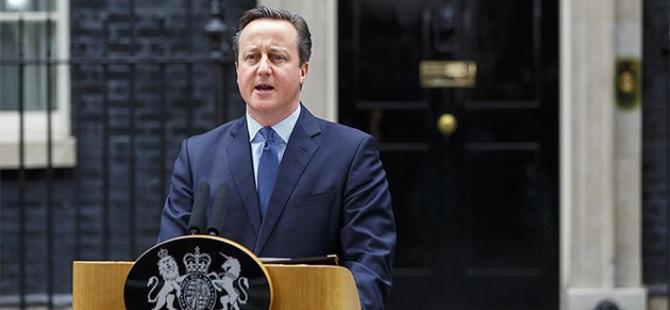İngiltere Başbakanı Cameron istifa ediyor!