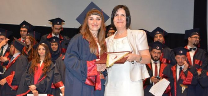YDÜ Tıp Fakültesi Mezuniyet Töreni üst düzey katılım ile gerçekleşti.