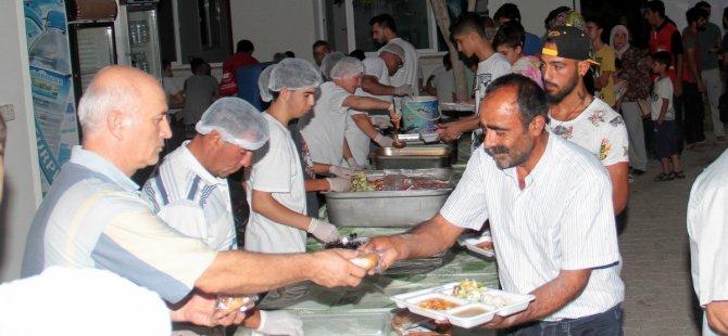 Başbakan Özgürgün, iftar yemeğine katıldı