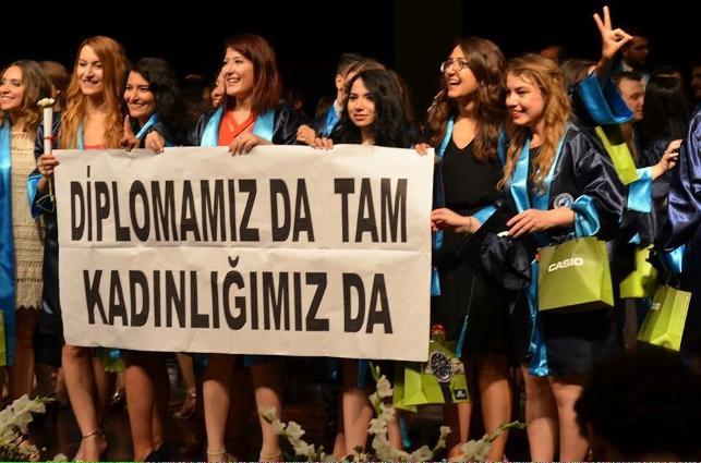 Erdoğan'ın skandal sözlerine genç doktorlardan yanıt: Diplomamız da tam kadınlığımız da