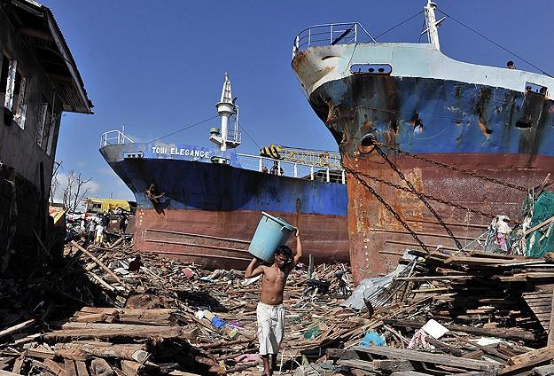 Filipinler'de gıda ve su sıkıntısı giderek artıyor
