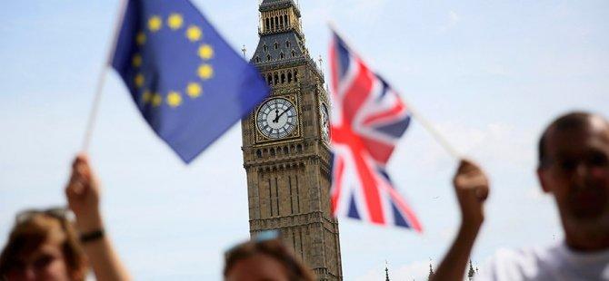Britanya'da AB referandumu: İkinci oylama için toplanan imzalar 2.5 milyonu aştı