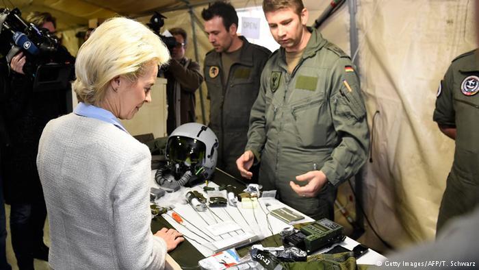 Almanya Savunma Bakanı'ndan İncirlik'e ziyaret